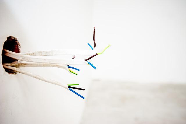 přeštípnuté kabely