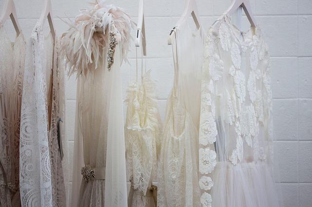 bílé oblečení